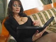 Bus, Secretary, Mature, Private secretary, Drtuber