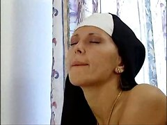 Nun, Nun masbating, Pornhub